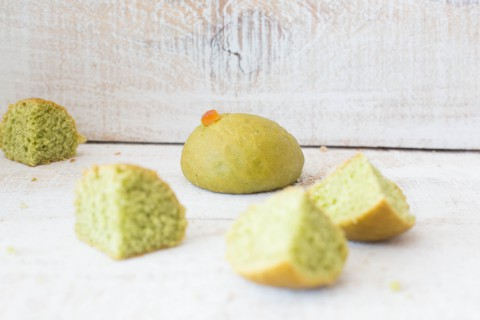 Brioche of matcha tea and orange